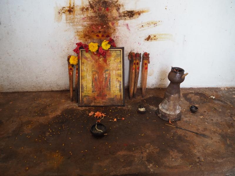 Внутри храма в д. Багасала