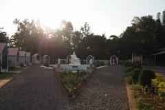 Двор католической церкви в д. Меринагар (Порида)